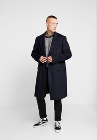 Topman - BERRY FRASER DOUBLE BREASTED - Cappotto classico - navy - 1