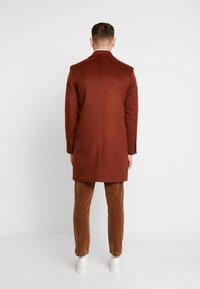 Topman - SCOTT  - Classic coat - rust - 2