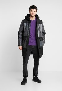 Topman - IRRESDESCENT PUFFER - Giacca invernale - black - 1