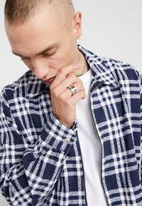 Topman - ROMAN NUMERAL SET - Anillo - silver-coloured - 1