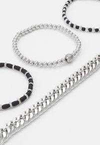 Topman - CHUNKY LAYERED WRISTWEAR - Armband - silver-coloured - 4
