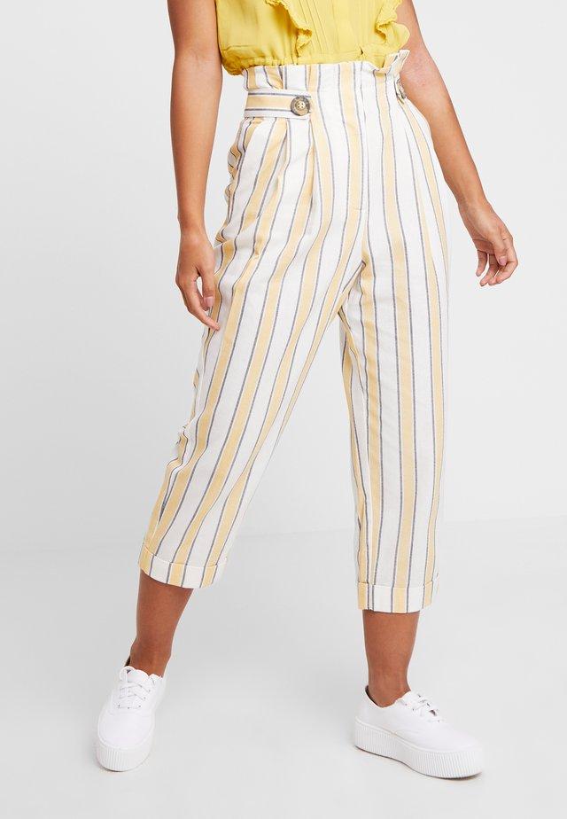 SUMMER PEG - Trousers - lemon