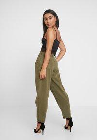 Topshop Petite - CAITLIN UPDATE - Kalhoty - khaki - 3