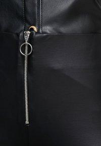 Topshop Petite - LOOK FLARE - Stoffhose - black - 5