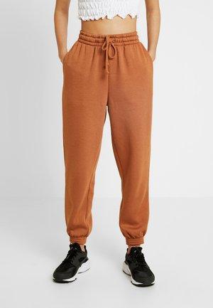 BERTIE - Teplákové kalhoty - rust