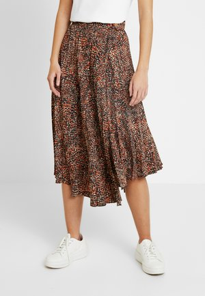 TEXTURED ANIMAL PLEAT - Gonna lunga - brown