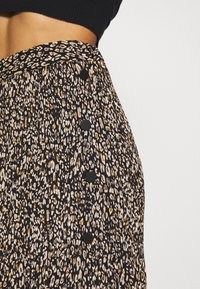 Topshop Petite - LEO CRYSTAL PLEAT - Gonna a campana - brown - 4