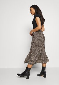 Topshop Petite - LEO CRYSTAL PLEAT - Gonna a campana - brown - 2