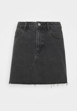 Spódnica trapezowa - washed black
