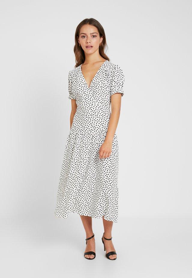 WHITE STARLIGHT PRINT DRESS - Freizeitkleid - white