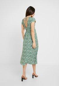 Topshop Petite - DITSY CHUCKON - Jersey dress - green - 3
