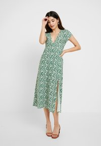 Topshop Petite - DITSY CHUCKON - Jersey dress - green - 0