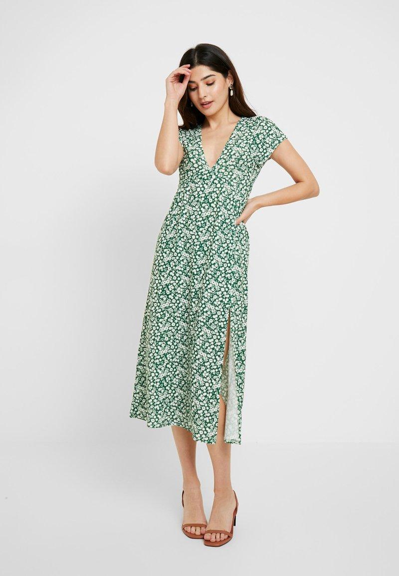 Topshop Petite - DITSY CHUCKON - Jersey dress - green