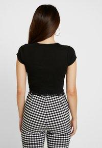 Topshop Petite - HEM CREW NECK 2 PACK  - T-shirts print - black/white - 2