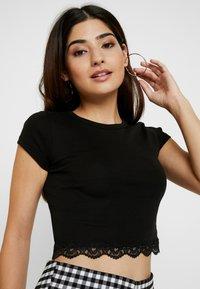 Topshop Petite - HEM CREW NECK 2 PACK  - T-shirts print - black/white - 4