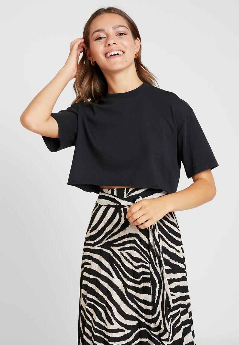 Topshop Petite - WASHED CROP TEE 3 PACK - T-Shirt print - white/black/pink