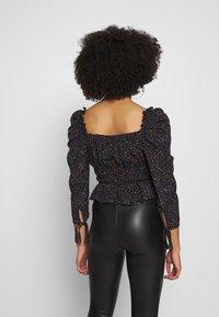 Topshop Petite - RUCHED PRAIRIE - Blouse - black - 2