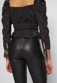 Topshop Petite - RUCHED PRAIRIE - Blouse - black - 3