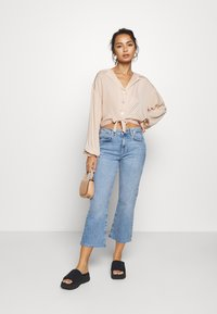 Topshop Petite - TIE FRONT - Camisa - champagne - 1