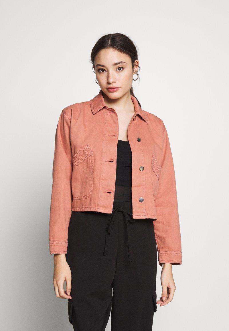 Topshop Petite - MISH - Denim jacket - pink