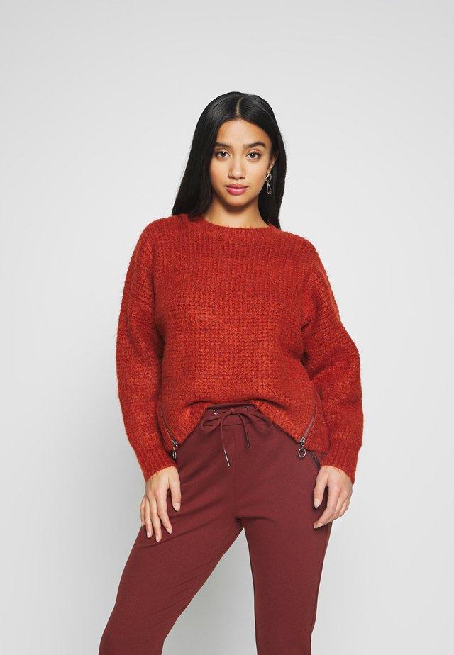 WAFFLE - Sweter - rust