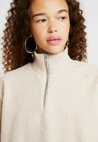 Topshop Petite - CURLY ZIP UP FUNNEL - Sweater - stone - 4