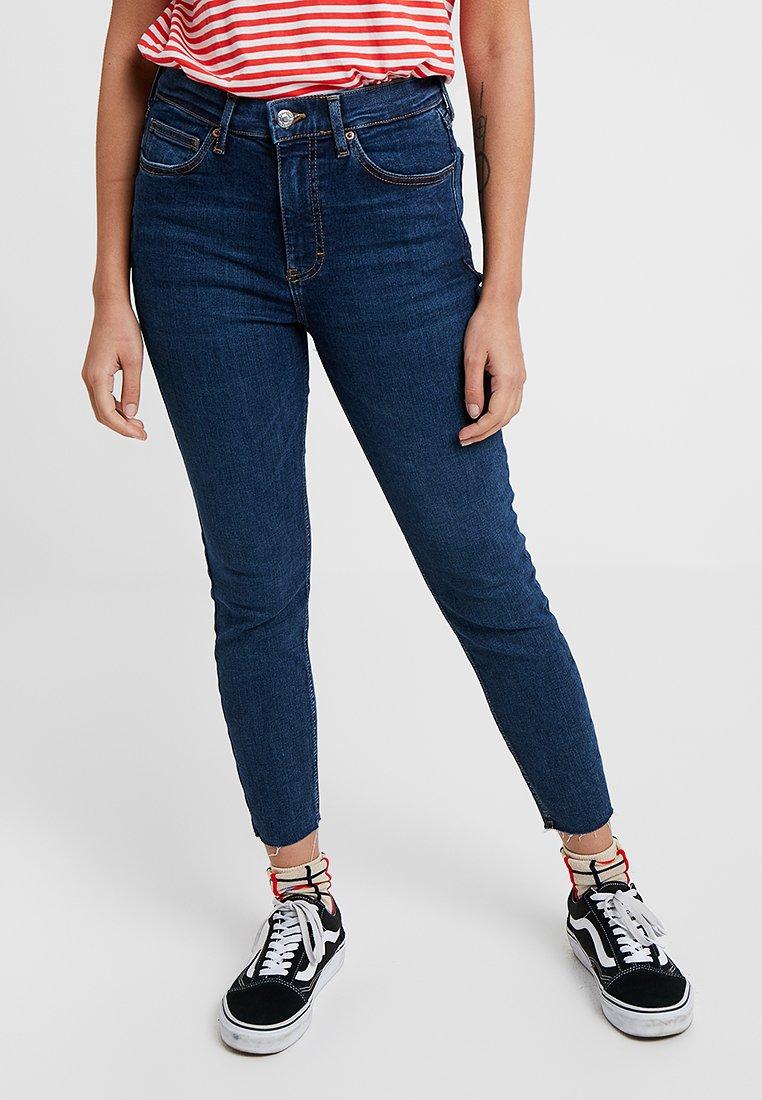 Topshop Petite - VINTAGE RAW HEM JAMIE             - Jeans Skinny Fit - indigo