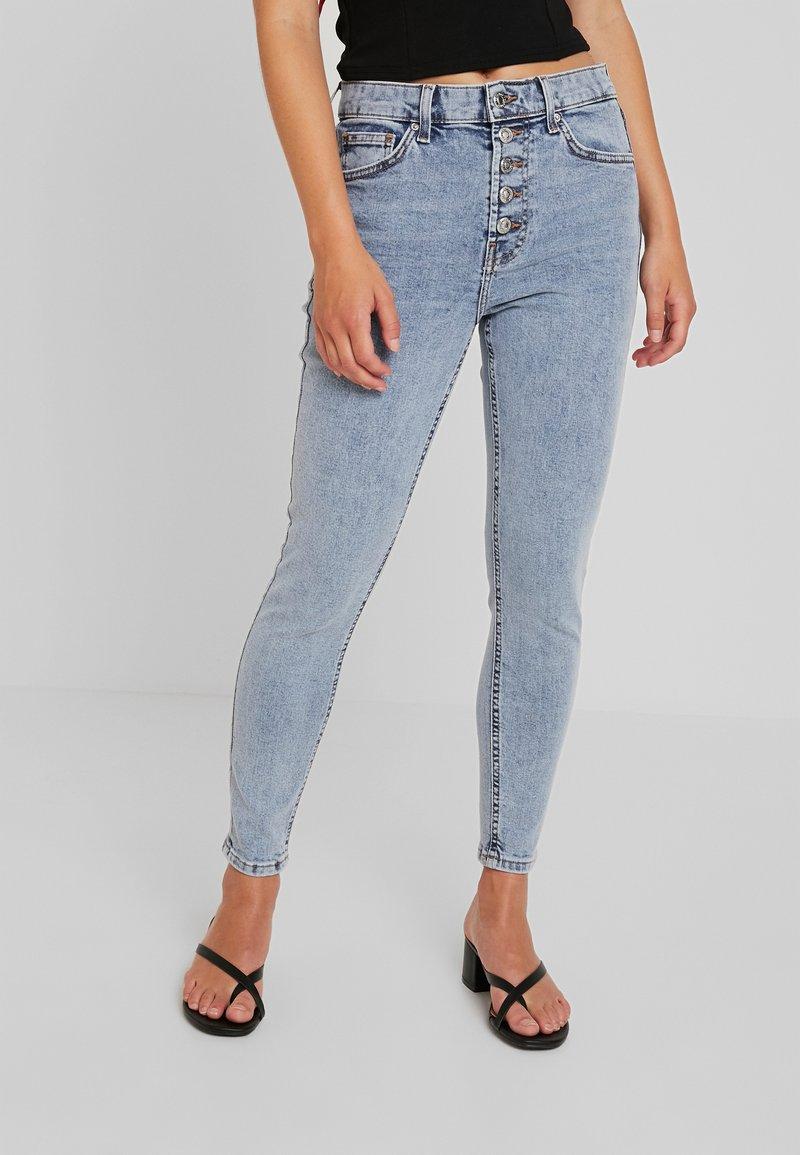 Topshop Petite - BUTTERFLY - Skinny džíny - light-blue denim