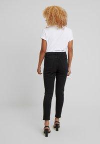 Topshop Petite - JAMIE CLEAN - Jeans Skinny Fit - black - 2