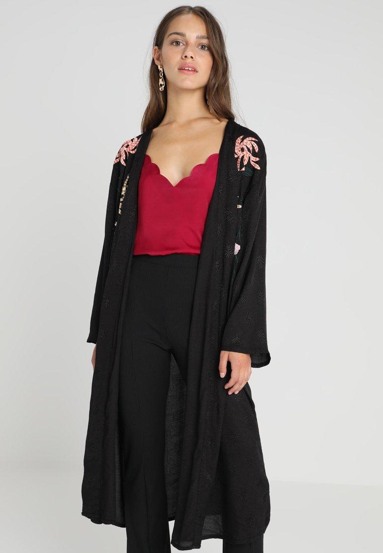 Topshop Petite - LIVI KIMONO - Lehká bunda - black