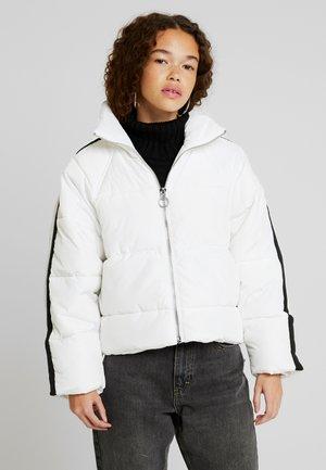 SIDE STRIPE - Zimní bunda - white