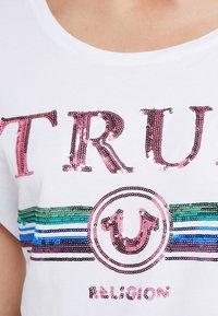 True Religion - TRUE  - Print T-shirt - white - 5
