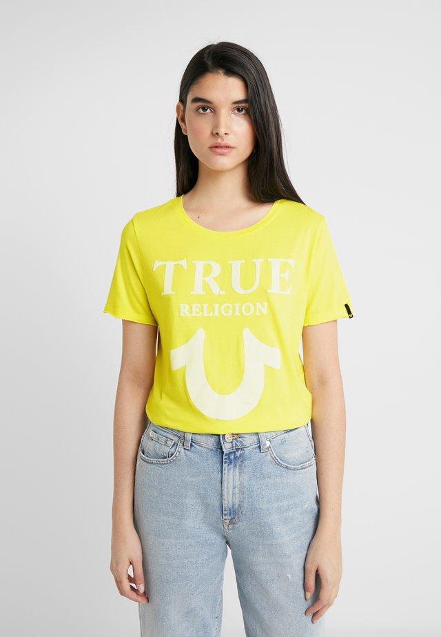CREW LOGO PUFFY - Print T-shirt - lemon
