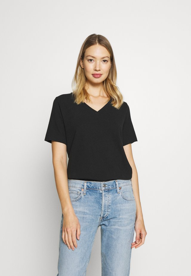 VNECK - T-shirt basic - black