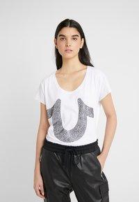 True Religion - CRYSTAL TEE - Print T-shirt - white - 0