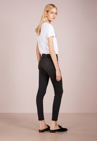 True Religion - HALLE - Jeansy Skinny Fit - light black - 2