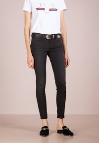 True Religion - HALLE - Jeansy Skinny Fit - light black - 0