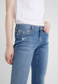 True Religion - NEW HALLE SUPER  - Jeans Skinny Fit - blue - 4