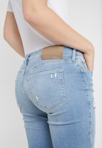 True Religion - HALLE LACEY  - Jeans Skinny Fit - blue denim - 5
