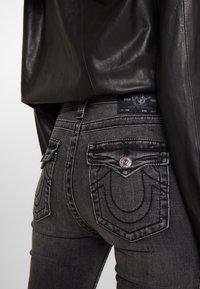 True Religion - HALLE HIGH RISE SMOKY  - Jeans Skinny Fit - dark grey - 3
