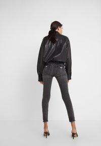 True Religion - HALLE HIGH RISE SMOKY  - Jeans Skinny Fit - dark grey - 2