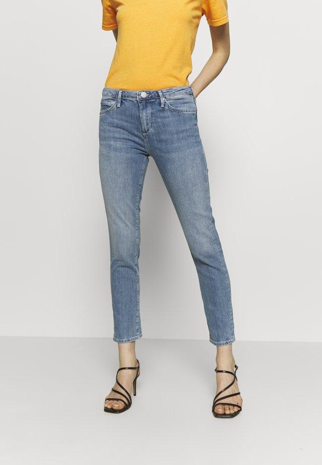 NEW HALLE - Jeans Skinny Fit - blue denim destroyed