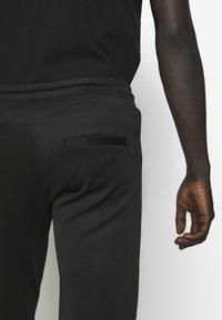 True Religion - PANT - Pantalones deportivos - black - 3