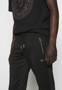 True Religion - PANT - Pantalones deportivos - black - 5