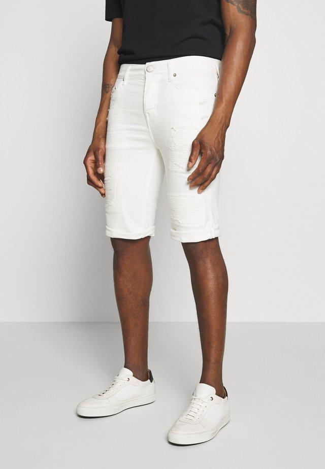 ROCCO BERMUDA - Džínové kraťasy - white