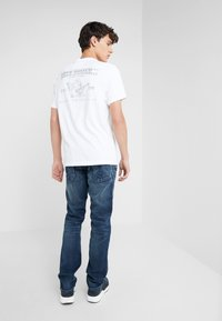 True Religion - GENO FLAP SUPER REVERENT - Slim fit jeans - blue - 2