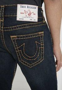 True Religion - ROCCO NO FLAP SUPER  - Jeans straight leg - dark blue denimn - 4