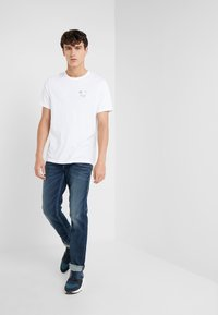 True Religion - SEASONAL PUFF TEE - T-shirt med print - white - 1