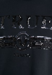 True Religion - TRUCCI EMBROYDERY - T-shirts med print - black - 5