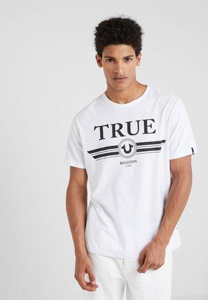 BASIC TRUCCI - Triko spotiskem - white